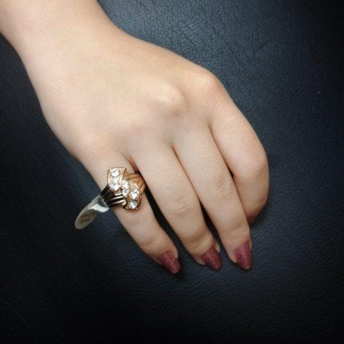 انگشتر طلایی نگین دار