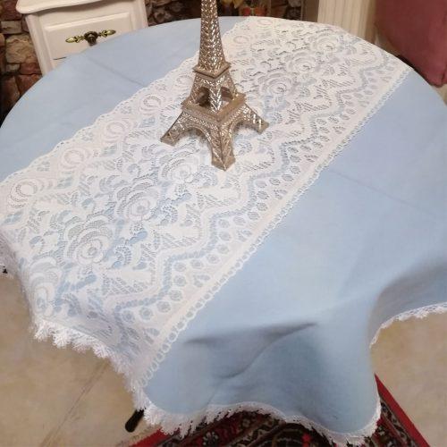 رومیزی آبی تور دوزی شده